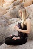 Donna di meditazione Immagini Stock Libere da Diritti