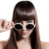 Donna di modo con gli occhiali da sole. Isolato Immagine Stock Libera da Diritti