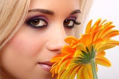Donna di modo con il fiore Fotografia Stock Libera da Diritti