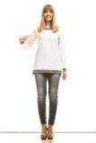 Donna di modo in maglietta bianca in bianco Immagini Stock