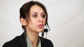 Donna di servizio di assistenza al cliente video d archivio