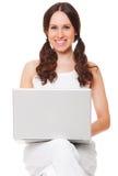 Donna di smiley con il computer portatile Immagine Stock Libera da Diritti