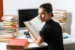 Donna di Styding Immagini Stock Libere da Diritti