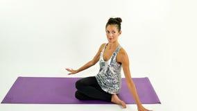 Donna di yoga archivi video