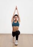 Donna di yoga isolata su fondo bianco Immagine Stock Libera da Diritti