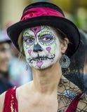 Donna in Dia De Los Muertos Makeup Immagini Stock Libere da Diritti