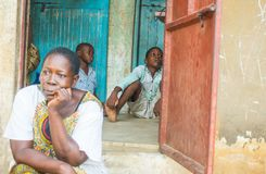 Donna e bambini africani nel Kenya, Africa Fotografia Stock