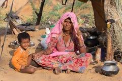 Donna e bambini indiani, Pushkar L'India Fotografia Stock Libera da Diritti