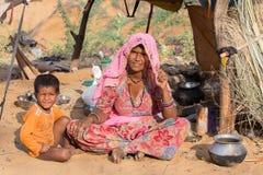 Donna e bambini indiani, Pushkar L'India Fotografia Stock