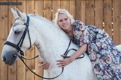 Donna e cavallo Fotografia Stock Libera da Diritti