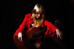 Donna e chitarra di flamenco Fotografie Stock