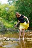 Donna e flusso fotografia stock libera da diritti