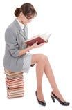 Donna e libro Immagini Stock Libere da Diritti