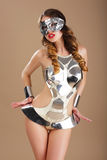 Donna eccentrica in maschera cosmica e costume cyber Immagine Stock