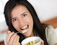 Donna ed alimento di dieta immagini stock libere da diritti