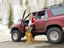 Donna ed animale domestico. Fotografia Stock