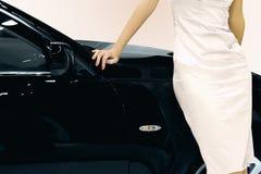 Donna ed automobile Immagine Stock Libera da Diritti