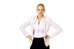 Donna elegante bionda arrabbiata di affari Immagine Stock