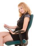 Donna elegante con il touchpad del computer del pc della compressa Fotografie Stock Libere da Diritti