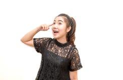 Donna emozionante felice dell'Asia che pensa e che ha un'idea Fotografia Stock