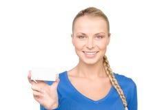Donna felice con il biglietto da visita Fotografia Stock Libera da Diritti