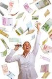Donna felice di affari che raggiunge per Immagini Stock Libere da Diritti
