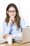 Donna felice di affari con i vetri Immagine Stock Libera da Diritti