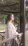 donna felice di autunno Fotografie Stock Libere da Diritti