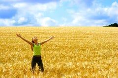 Donna felice e libertà Fotografie Stock Libere da Diritti