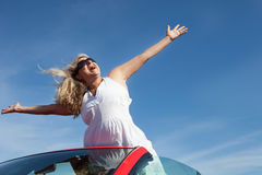 Donna felice nel paradiso Fotografia Stock Libera da Diritti