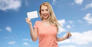 Donna felice o ragazza teenager con Libro Bianco in bianco Immagine Stock