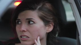 Donna, fermata di traffico nel hd stock footage