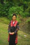 Donna fiorita di Hmong fotografia stock libera da diritti