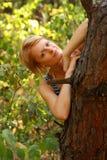 Donna in foresta Fotografie Stock Libere da Diritti