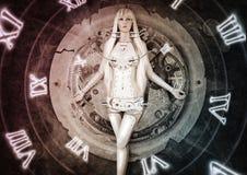 Donna futuristica che si muove a partire dal passato verso il futuro Fotografia Stock