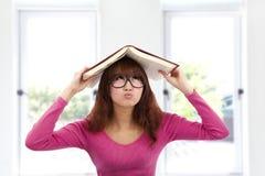 Donna giovane asiatica impotente Fotografie Stock Libere da Diritti