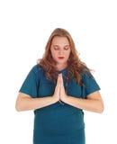 Donna giovane di preghiera immagini stock libere da diritti