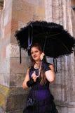 Donna gotica con l'ombrello nero Immagini Stock Libere da Diritti