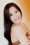 Donna graziosa con capelli lunghi Immagine Stock Libera da Diritti
