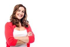 Donna graziosa con il sorriso delizioso fotografia stock libera da diritti