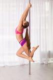 Donna graziosa del ballerino del palo Immagini Stock Libere da Diritti