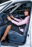 Donna graziosa - driver Fotografie Stock