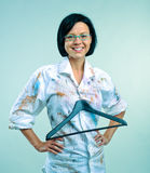 Donna in grembiule della vernice Fotografia Stock Libera da Diritti