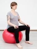 Donna incinta che fa allenamento Fotografia Stock
