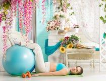 Donna incinta durante l'allenamento Fotografia Stock Libera da Diritti