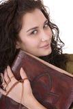 Donna intelligente con il vecchio libro. Fotografia Stock Libera da Diritti