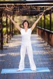 Donna invecchiata centrale in buona salute Fotografie Stock Libere da Diritti