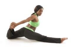 donna ispanica dell'afroamericano che esercita ballo Fotografia Stock