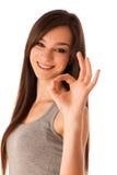 Donna ispanica di Hapy che mostra gesto giusto con il pollice su Fotografia Stock Libera da Diritti