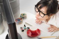 Donna lavoratrice asiatica Fotografia Stock Libera da Diritti
